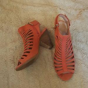 Vince Camuto Pink Leather Peep Toe Heels 8M